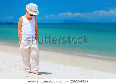 Fiatal srác tengerpart póló baba jókedv fiú Stock fotó © meinzahn