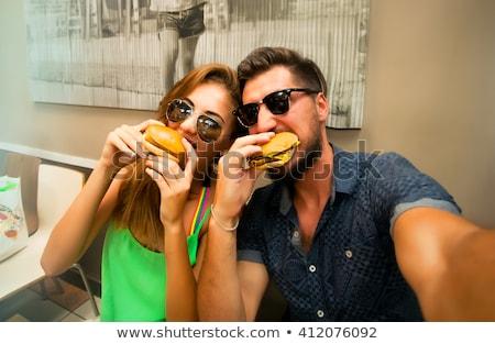 Photo stock: Couple · manger · baiser · extérieur · femme · alimentaire