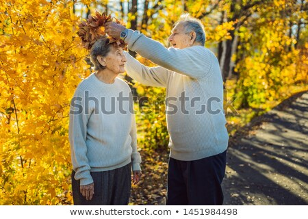 Stockfoto: Gelukkig · oude · paar · najaar · park · ouderen