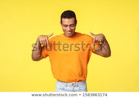 Zadowolony męski facet krótki ciemne Zdjęcia stock © benzoix