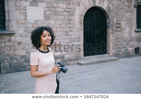 Demi-longueur photos souriant africaine fille isolé Photo stock © stockyimages