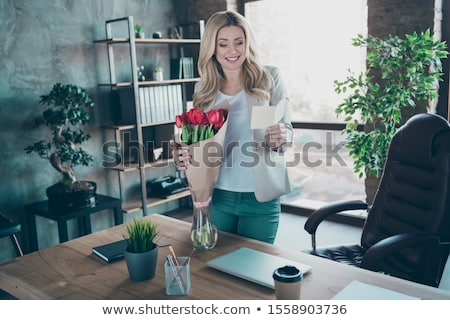 gülen · kız · kartpostal · çiçek · sevmek · tatil - stok fotoğraf © dolgachov