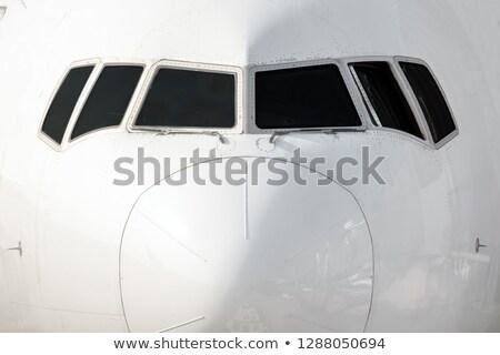 Vliegtuigen neus cockpit venster detail ontwerp Stockfoto © meinzahn