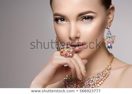 Gyönyörű nő nyaklánc ékszerek szépség divat fotó Stock fotó © julenochek