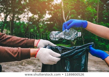 volontaire · trash · sac · bouteille · nettoyage · bénévolat - photo stock © dolgachov