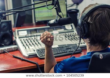 ラジオ 男 小さな 白人 男性 マイク ストックフォト © poco_bw
