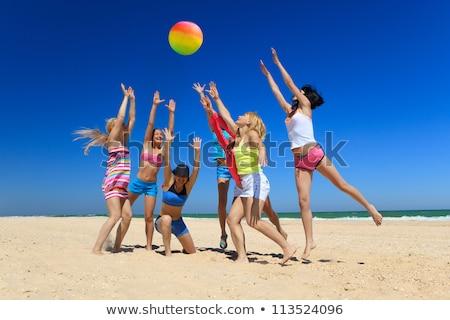 Adolescente ballon de plage femme vert jeunes shirt Photo stock © photography33
