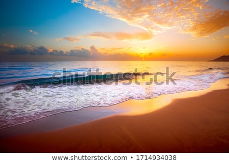 Golden Morgen Strand feurigen sunrise Himmel Stock foto © 3523studio