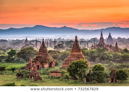 Pagode paysage sunrise Myanmar birmanie arbres Photo stock © smithore