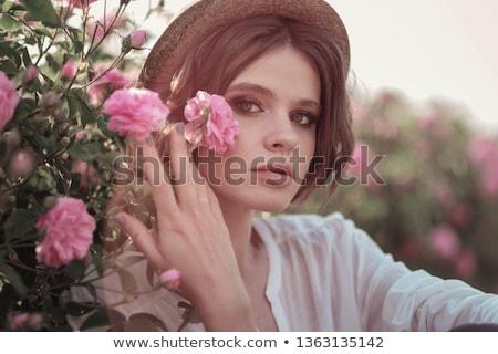 Nő rózsák virág kert szépség nyár Stock fotó © IS2
