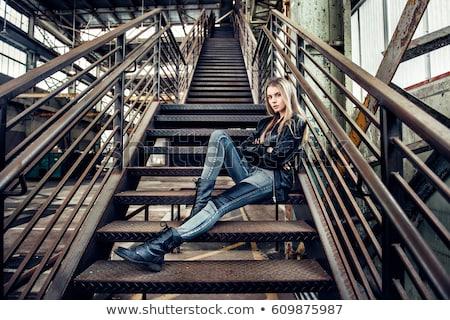 Bastante jovem preto casaco perneiras Foto stock © acidgrey