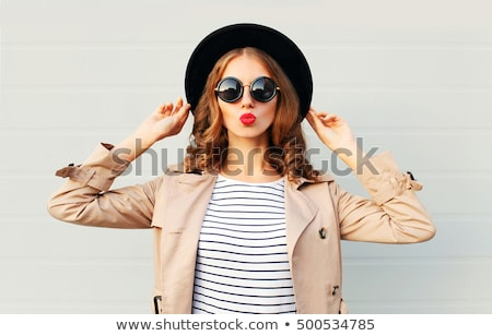 fiatal · gyönyörű · barna · hajú · szürke · kabát · arc - stock fotó © filipw
