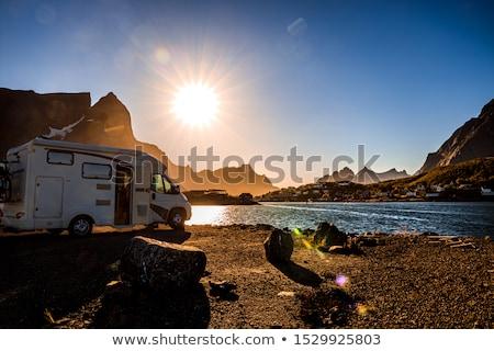 família · férias · viajar · férias · trio · caravana - foto stock © cookelma
