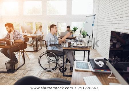 genç · kadın · tekerlekli · sandalye · bir · şey · dizüstü · bilgisayar · bilgisayar · kadın - stok fotoğraf © photography33