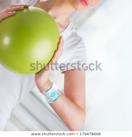 nő · testmozgás · labda · visel · okos · berendezés - stock fotó © hasloo