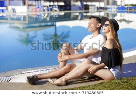 mulher · homem · abrir · mãos · coberto · areia · da · praia - foto stock © nejron