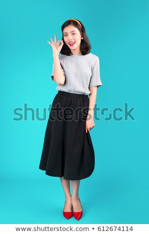 Stockfoto: Mooie · glimlachende · vrouw · pin · omhoog · stijl · jonge