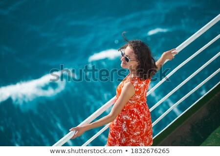 Vrouw permanente zeilschip reizen leuk geluk Stockfoto © IS2