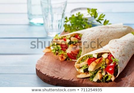плоская маисовая лепешка куриная грудка овощей черный продовольствие Сток-фото © grafvision