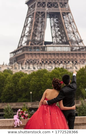 Afetuoso casal amor celebrar casamento pose Foto stock © vkstudio
