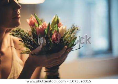Foto stock: Romántica · joven · ramo · frescos · tulipanes · jóvenes