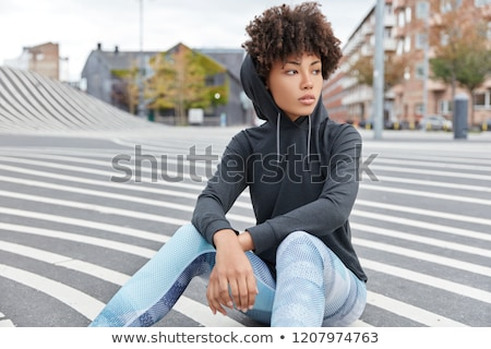Lány kapucnis pulóver tini hosszú barna haj Stock fotó © zhekos