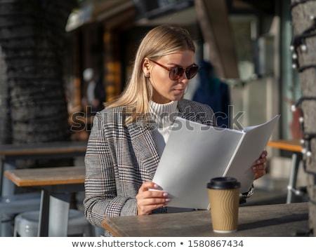Model kat okuma dergi güzel bir kadın arka plan Stok fotoğraf © deandrobot
