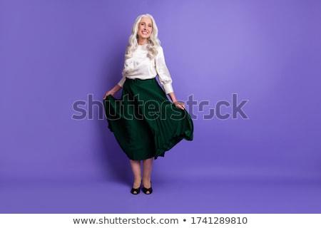 Belle femme longtemps cheveux bouclés style pourpre fleur Photo stock © Victoria_Andreas