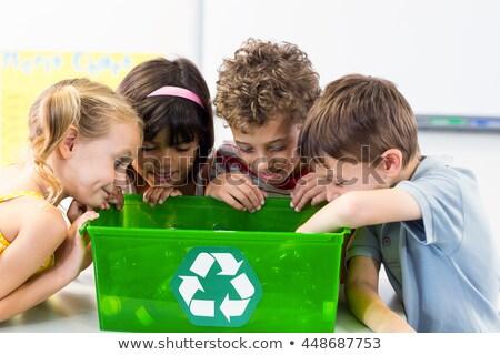 ребенка · рециркуляции · домой · зеленый · весело · бутылку - Сток-фото © is2