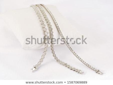 Foto d'archivio: Brillante · bracciale · buio · tessili · regalo · diamante