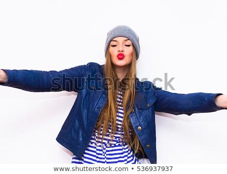 Mulher lábios vermelhos ar beijo Foto stock © wavebreak_media