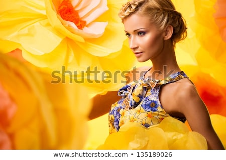 vrouw · vintage · stijl · witte · jurk · krans - stockfoto © julenochek