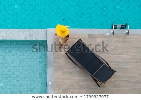 Foto stock: Modelo · piscina · aire · libre · niña · feliz · blanco · traje · de · baño