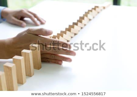 jóvenes · empresario · negocios · riesgo · incertidumbre · hombre - foto stock © elnur