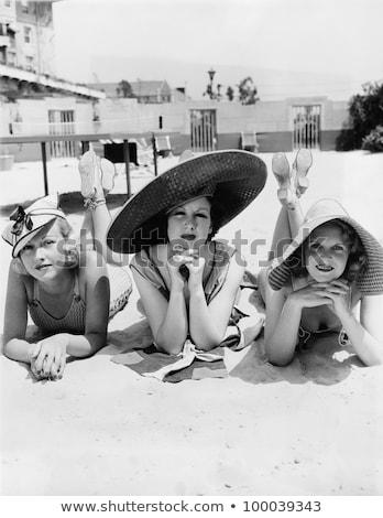 Drie jonge vrouwen strand top zomertijd Stockfoto © Sonya_illustrations
