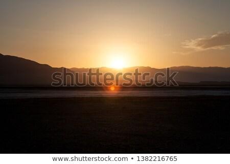 Mort vallée coucher du soleil randonnée Rock ciel bleu Photo stock © rmbarricarte