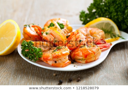 préparé · crevettes · plateau · citron · persil · vertical - photo stock © zhekos