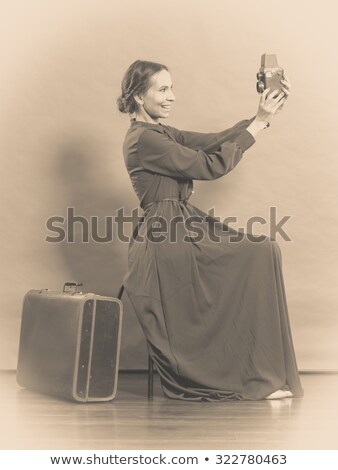 Vintage foto câmera mala viajar piggy bank Foto stock © fotoedu