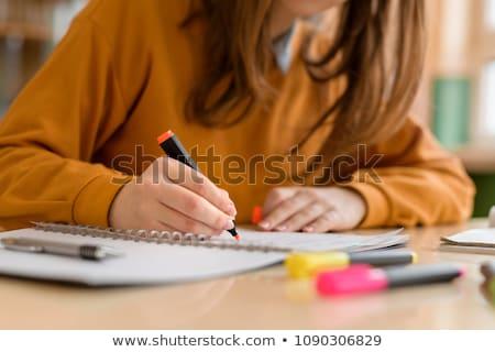 Kobieta Uwaga książki pióro piśmie Zdjęcia stock © jayfish