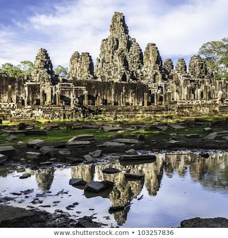 Templo stonewall angkor Camboja cara ponte Foto stock © tuulijumala