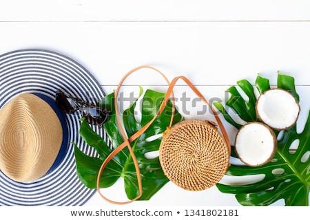 verão · chapéu · de · palha · óculos · de · sol · cachecol · praia - foto stock © neirfy