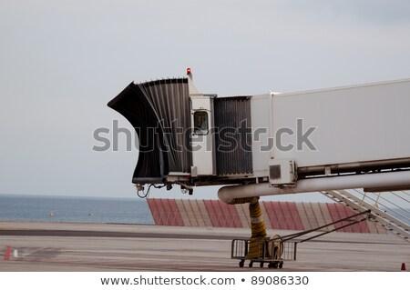 Foto stock: Dedo · portão · aeroporto · luz · caminhão · avião