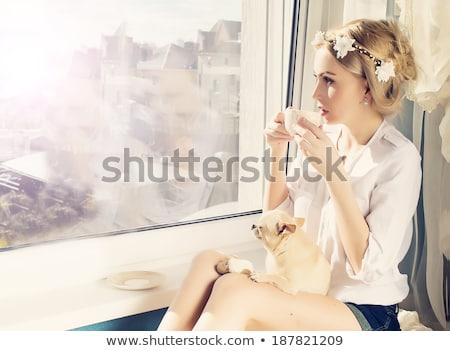 Boldog lány gyönyörű szőke nő lány padló pláza Stock fotó © ssuaphoto