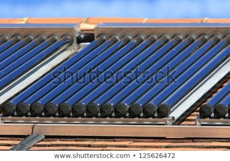 Zonne heet water glas paneel betegelde Stockfoto © Rob300