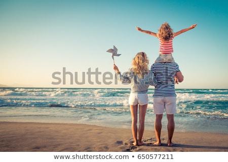 jonge · vrouw · vakantie · tropische · vergadering · voeten - stockfoto © hasloo