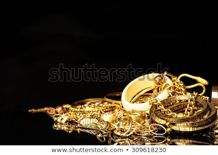 Arany ékszerek szeretet divat gyönyörű ékszer Stock fotó © shutswis