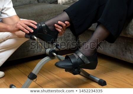 Altos mujer ejercicio moto clínica hospital Foto stock © wavebreak_media