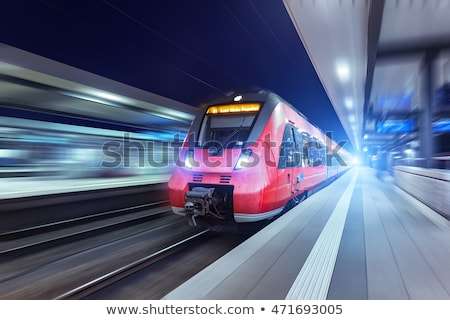 赤 · 鉄道 · 運動 · 駅 · 雲 · 金属 - ストックフォト © meinzahn