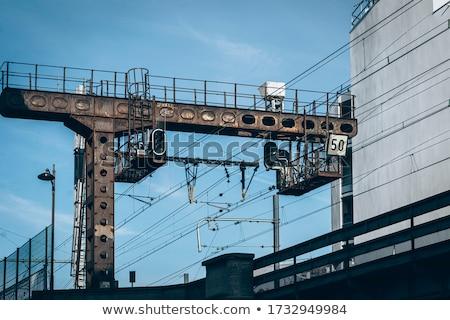 czerwony · pociągu · zewnątrz · miasta - zdjęcia stock © meinzahn