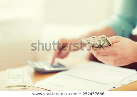 ежегодный Финансы таблице разместить его бизнеса бумаги Сток-фото © fuzzbones0